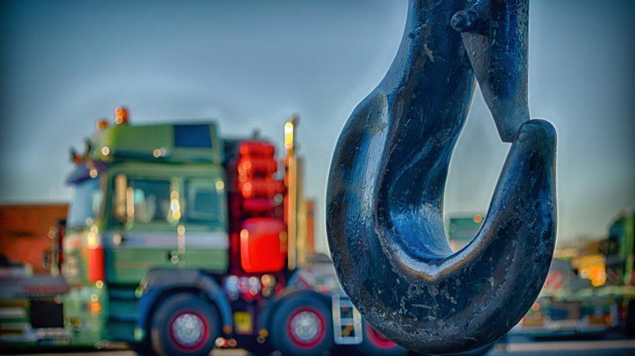 巨大な荷物をひょいと運べる「クレーン」は、リフトと並んで高需要!