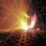 工場で火花を散らせ!稼ぎも上々の溶接工を知ろう!